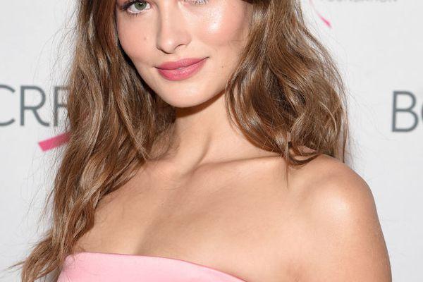Grace Elizabeth model - best foundations for oily skin
