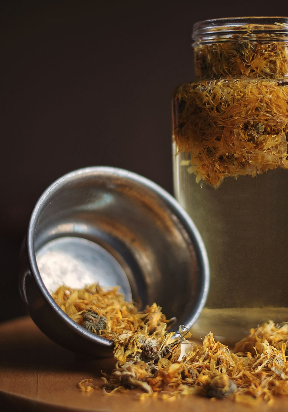 dried witch hazel and extract oil