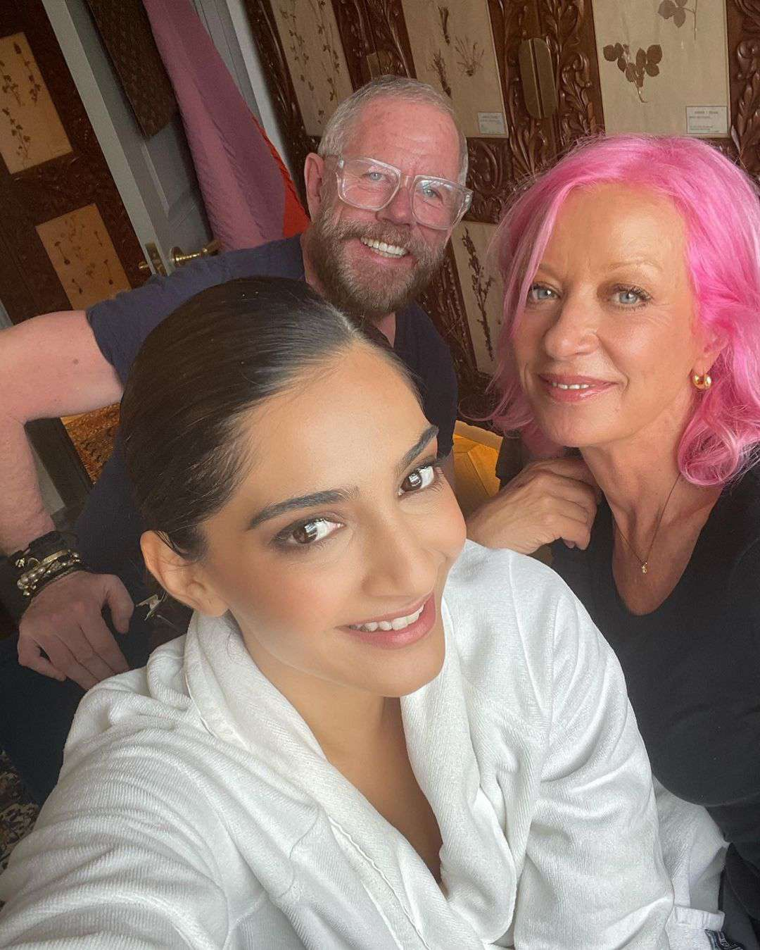 Mary Greenwell with Soonam Kapoor